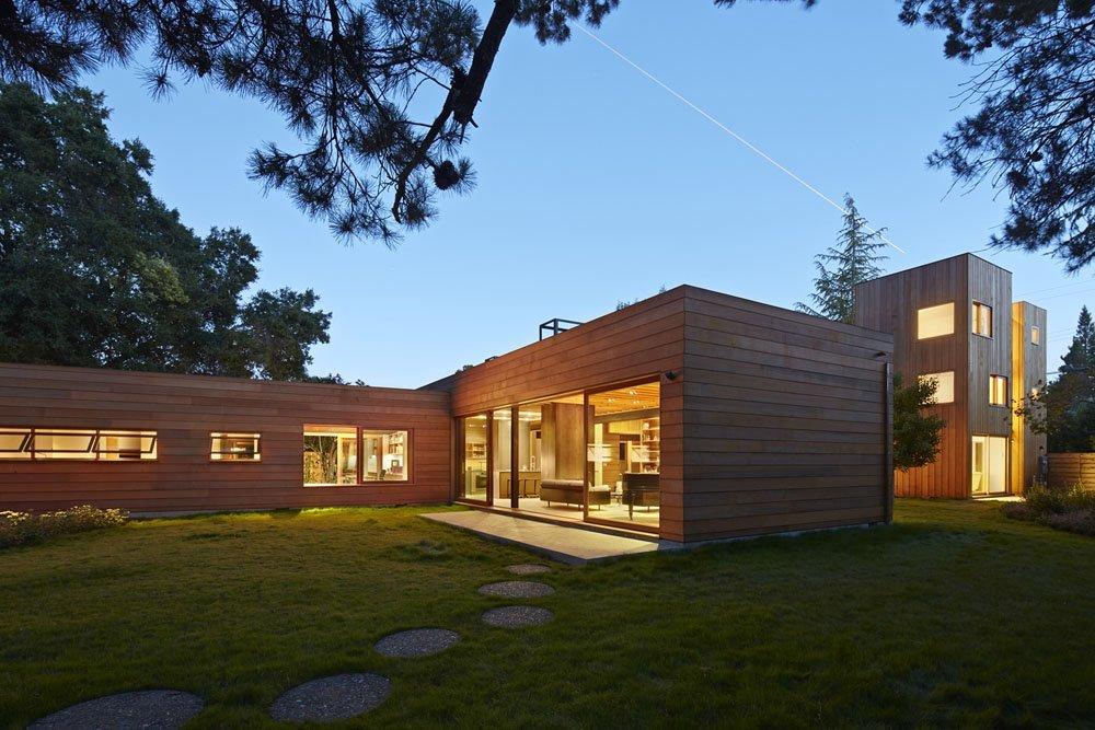 Interpretación impresionante de la tradicional californiana Plano de una Casa moderna tipo Rancho y Torre de Granja